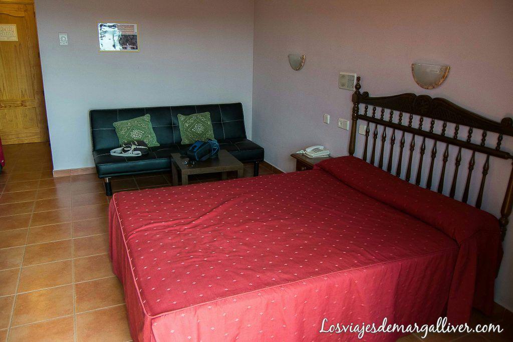 habitación del hotel restaurante Baños de la Encina - Los viajes de Margalliver